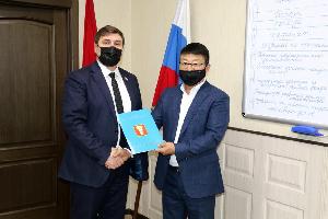 Ким Николай Петрович и Ким Евгений Вильямсович получили благодарности от Думы УГО