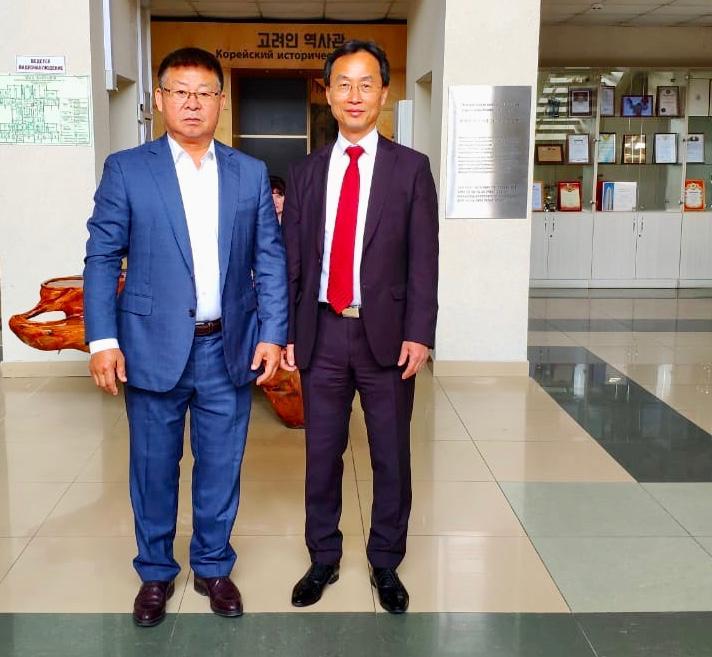 Генеральный консул Республики Корея О Сунг Хван посетил Корейский культурный центр в Уссурийске